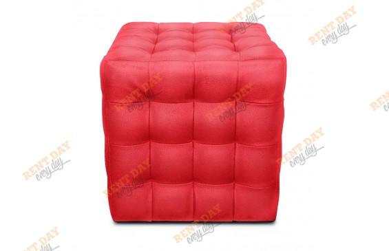 Красный пуфик с квадратной стежкой