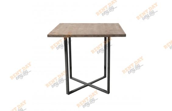 Крадратный стол с деревянной столешницей