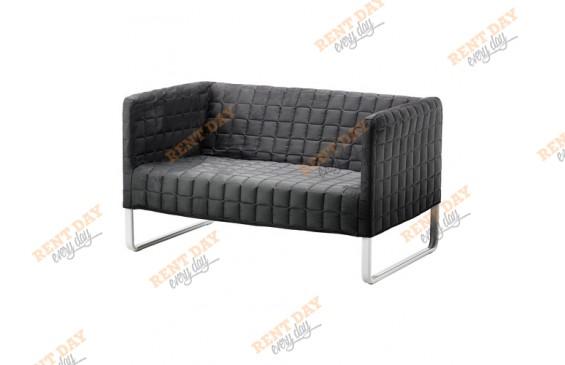 """Серый диван со стежкой """"Квадрат"""" в аренду"""