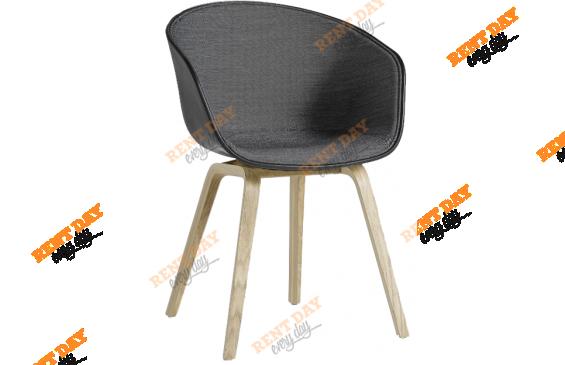 Wood Gray & black /  Черное велюровое кресло в аренду