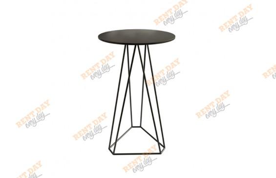 Геометрический стол черного цвета в аренду