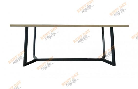 Прямоугольный обеденный стол в аренду