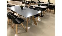 Серый стол для конференций