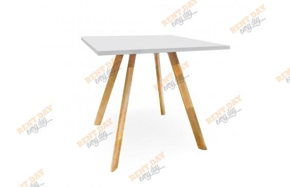 Квадратный столик в аренду