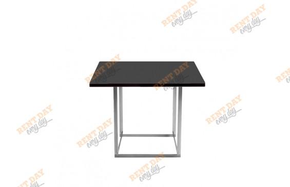 Квадратный стол для кафе в аренду
