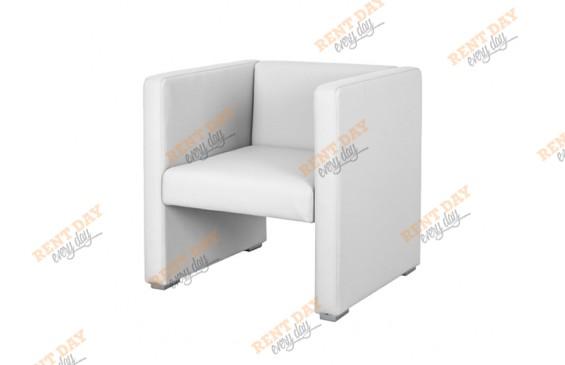 Компактное белое кресло в аренду