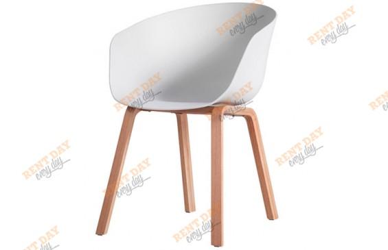 Легкий стул с подлокотниками в аренду